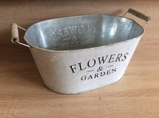 Metall-Jardiniere m. Henkel Flower and Garden, zink/weiß/gebürstet 36x24x16,5h + Henkel, EAN-Nr. 4039112117937
